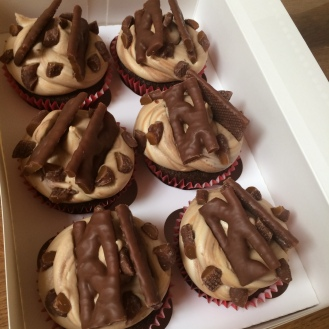 bc curly wurly cupcakes