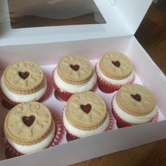 bc jammie dodger cupcake