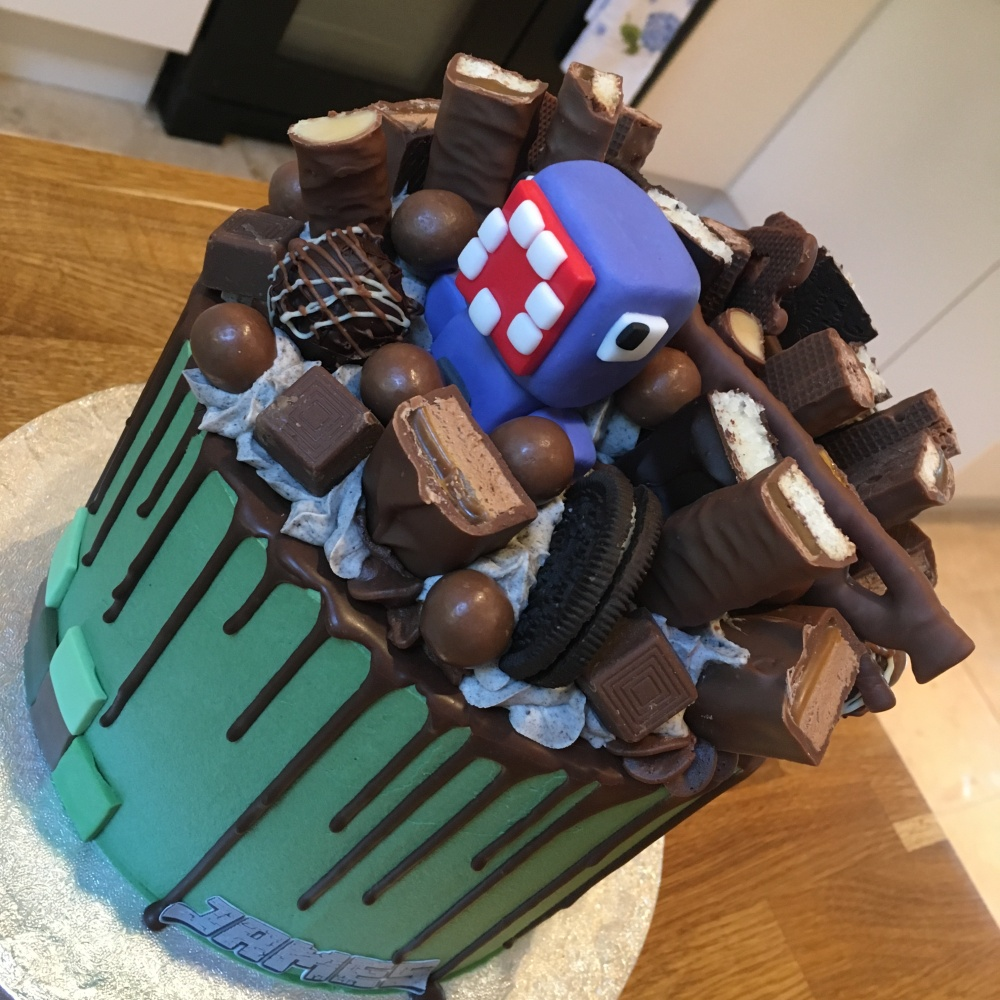 bc minecraft drip chocolate loaded cake 4