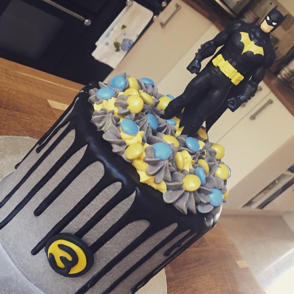 bc oreo drip batman cake 2