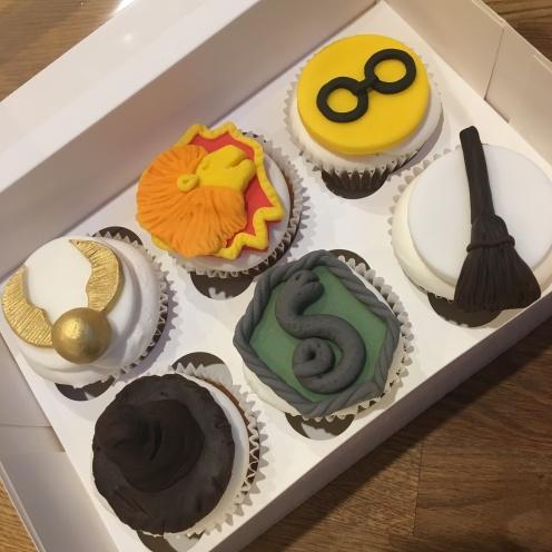 Hogwarts Mixed Cupcakes 1
