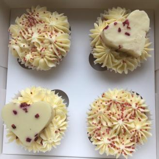 Vanilla Fudge Cupcakes 4