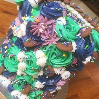 Brittany May Sprinkle Drip Mane Flower Cake 3